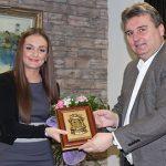 Hata Botonjić i načelnik Općine Bihać Emdžad Galijašević; Foto: Klix.ba