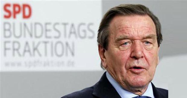 Gerhard Schröder: Na Balkanu treba školovati zanatlije i uvoziti ih 40 posto!