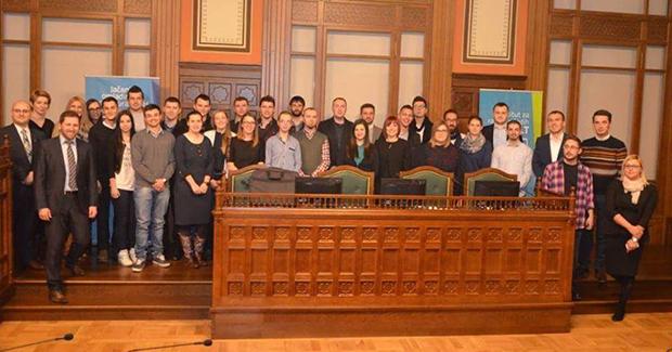 Uspostavljeno Federalno vijeće mladih: Mate Lončar izabran za prvog predsjednika