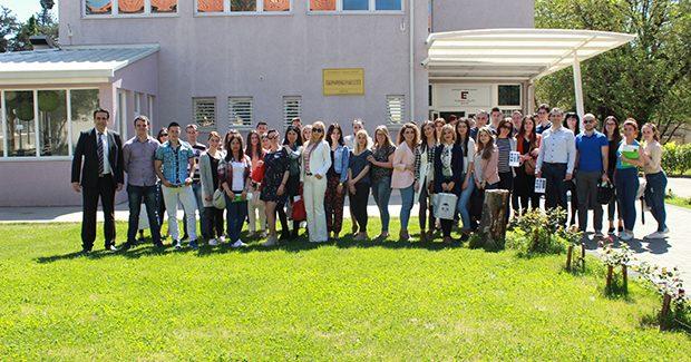 Ekonomski fakultet u Mostaru nastavlja sa svojom tradicijom Studenti master studija uspješno odbranili svoje marketing projekte (1)