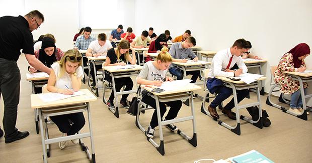 Zbog velikog interesovanja održano drugo testiranje za stipendije na IUS-u