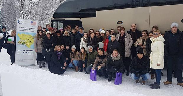 Ambasada Sjedinjenih Američkih Država podržala Zimski debatni kamp o pomirenju