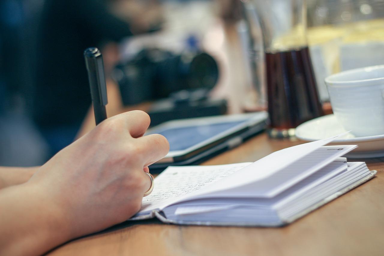 Učestvujte u Expert Writing Service takmičenju u pisanju eseja