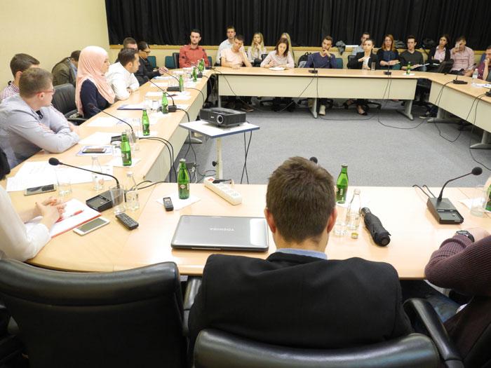 Forum u Sarajevu: Saradnja političkih aktivista sa mladima ključna za promjene