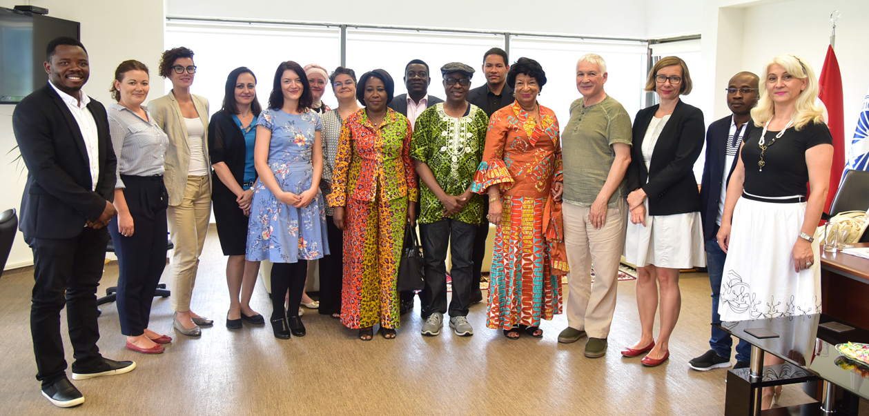 Ambasadorica Republike Gane u Turskoj posjetila IUS
