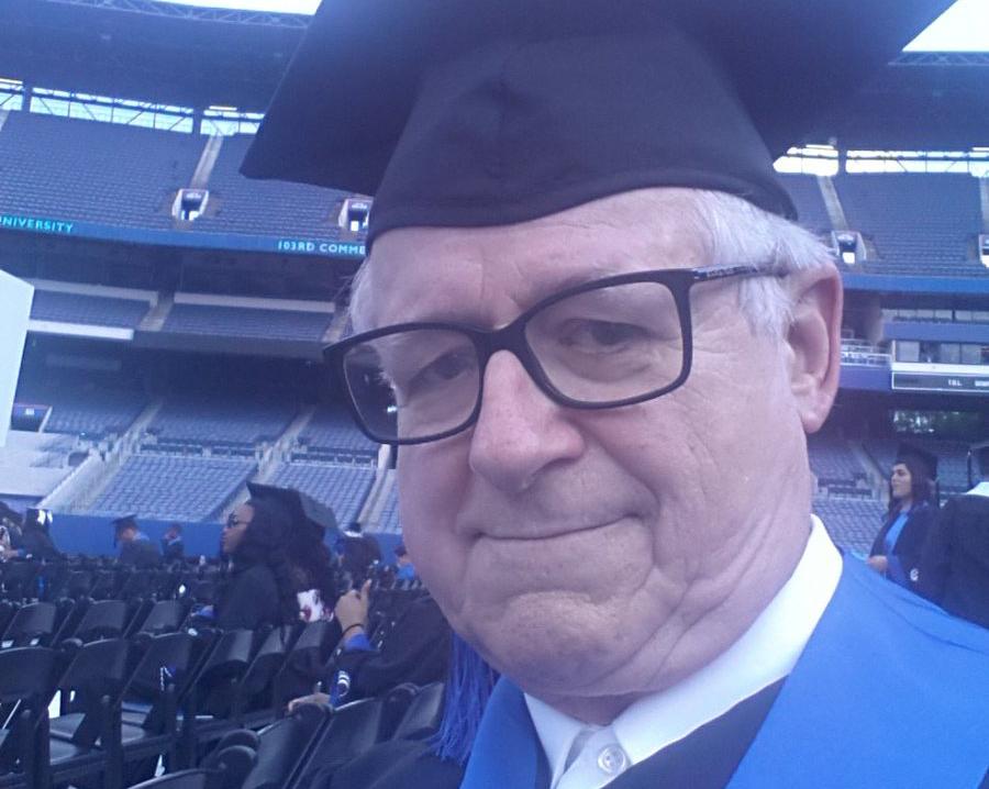 Ima nade za vječite studente: Diplomirao 49 godina nakon upisa na fakultet