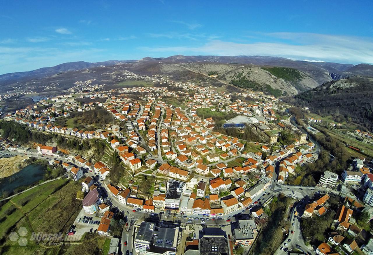 Grad Široki Brijeg raspisao konkurs za dodjelu studentskih stipendija za 2018/19. godinu