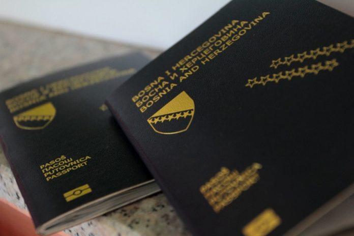 Zbog čega se mladi odlučuju na pakovanje kofera i odlazak iz BiH?