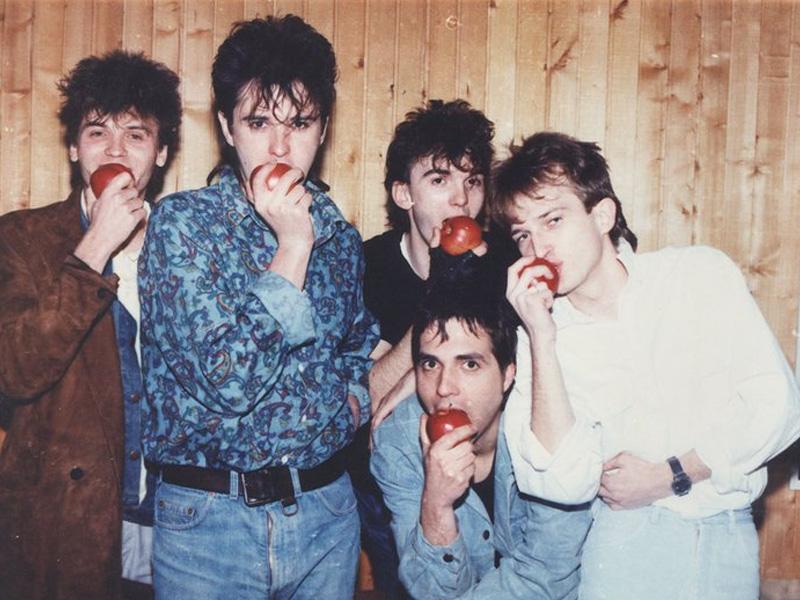 Na današnji dan: Rođen jedan od pokretača muzičke grupe 'Crvena jabuka'