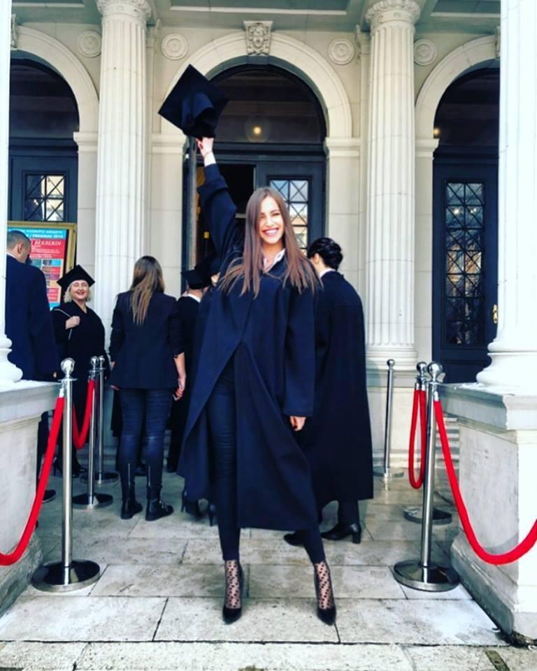 Pozitivne priče: Una Suljić je najmlađa doktorica farmaceutskih nauka u BiH
