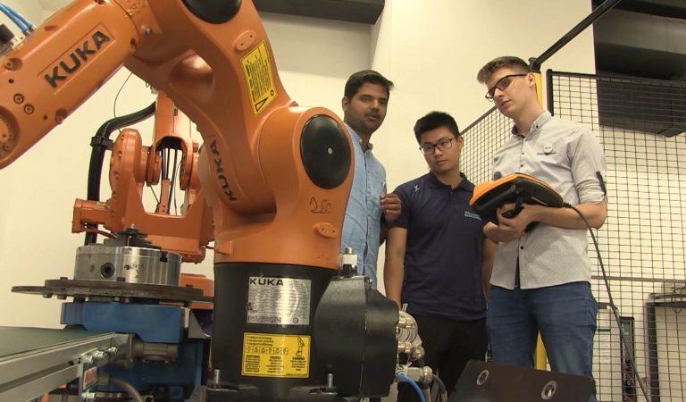 Australijski univerzitet šalje studente da o robotima uče u gradu u BiH