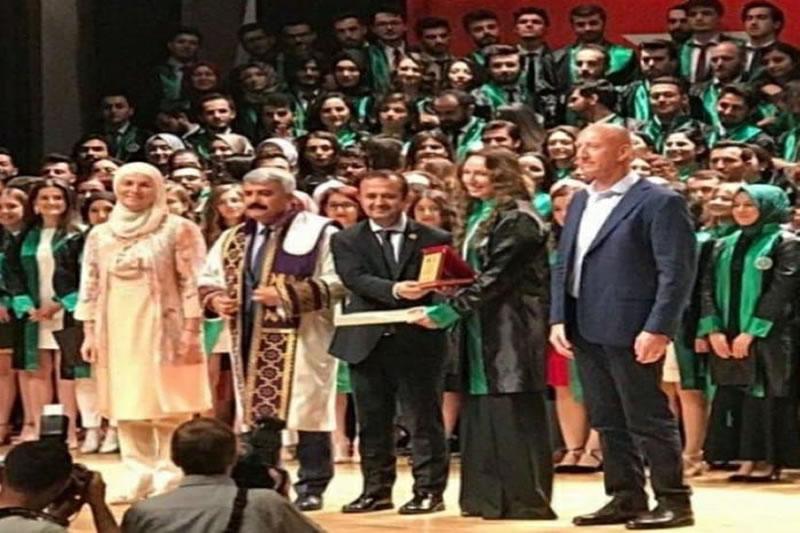 Bišćanka proglašena najboljom studenticom na Univerzitetu u Turskoj, pa poslala dirljivu poruku svojoj prvoj nastavnici