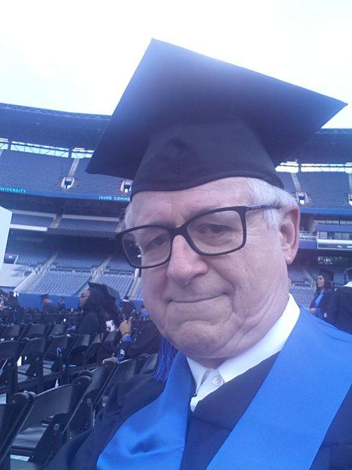 Ima nade za vječne studente: Diplomirao 49 godina nakon upisa na fakultet