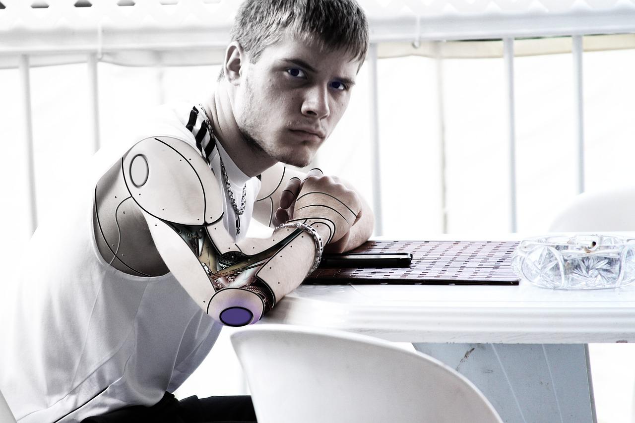 Prilika da brzo zaradite više od 220.000 KM: Posudite lice robotu
