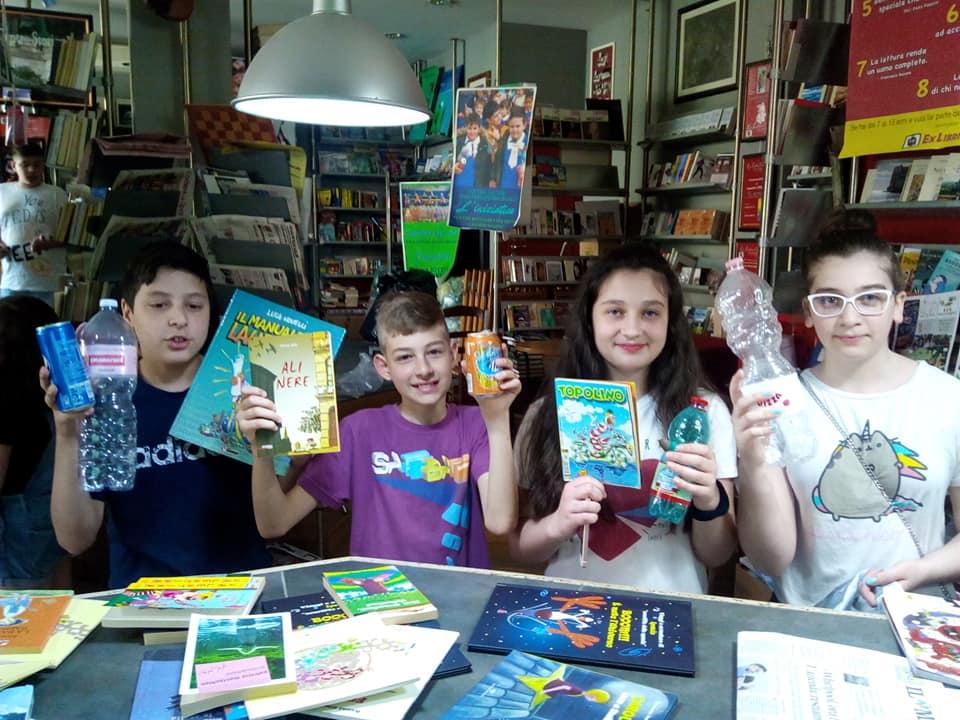 Knjižara poklanja knjigu svakom djetetu koje donese praznu plastičnu bocu ili limenku