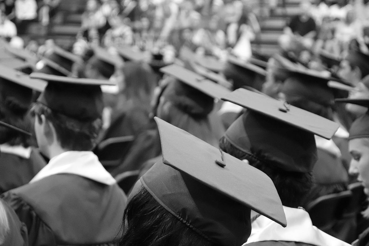 Stari studenti dobili rok od dvije godine da skupe pare za diplomu