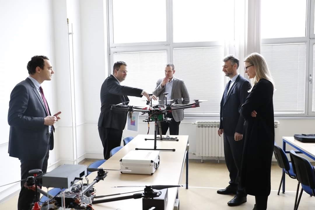 Posjetom visoke delegacije Mašinskom fakultetu puštena u rad najmodernija oprema za mjerenje zagađenosti zraka