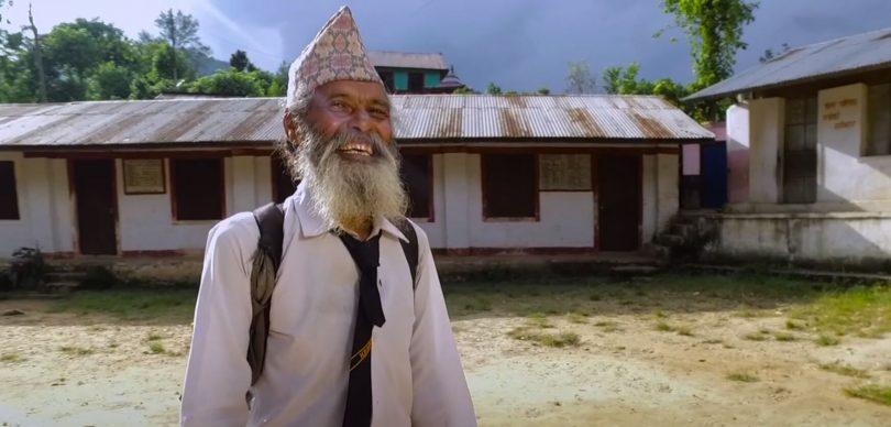 Upoznajte Indijca koji je sa 69 godina krenuo u školu