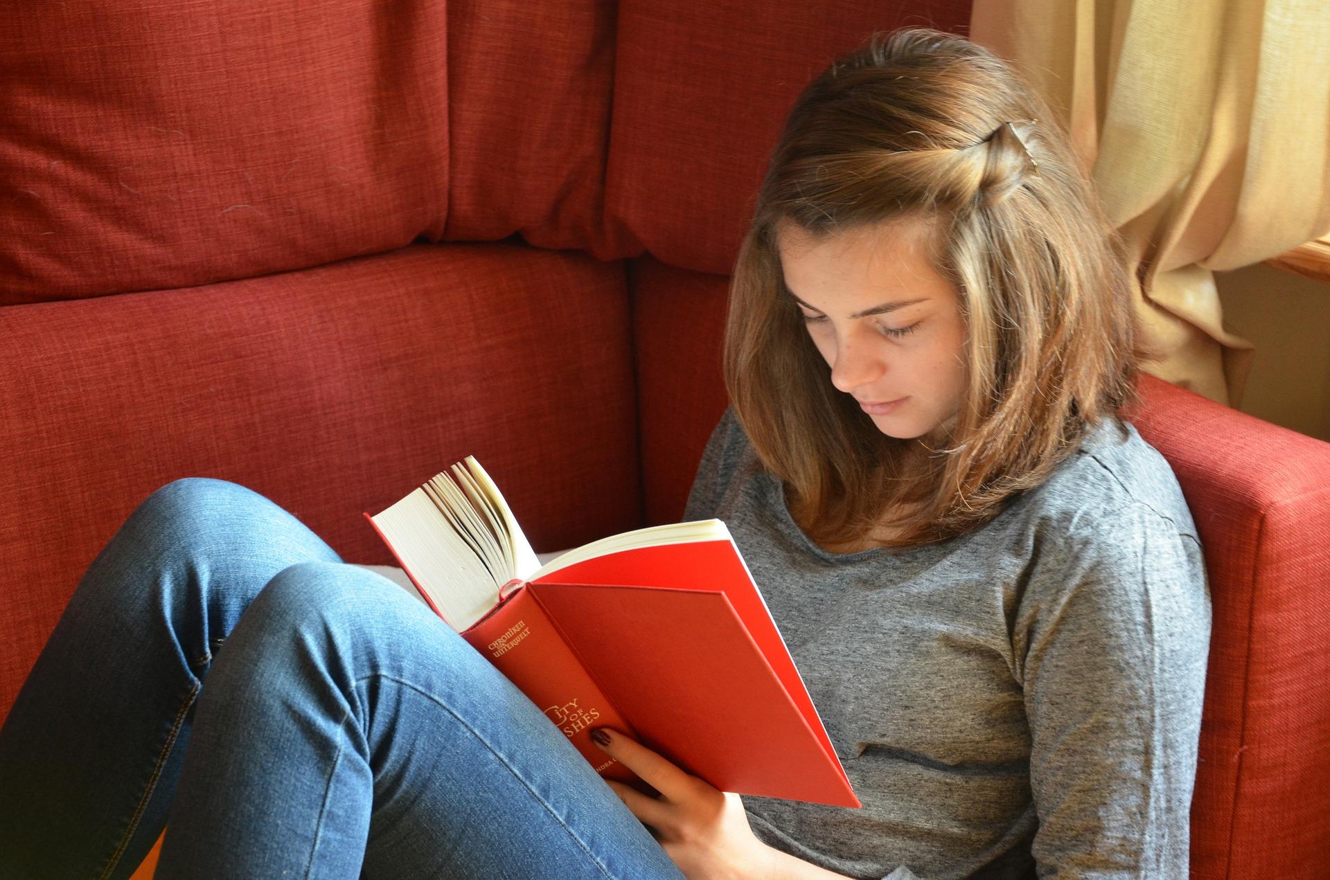 Čitanje knjiga produžava život za dvije godine