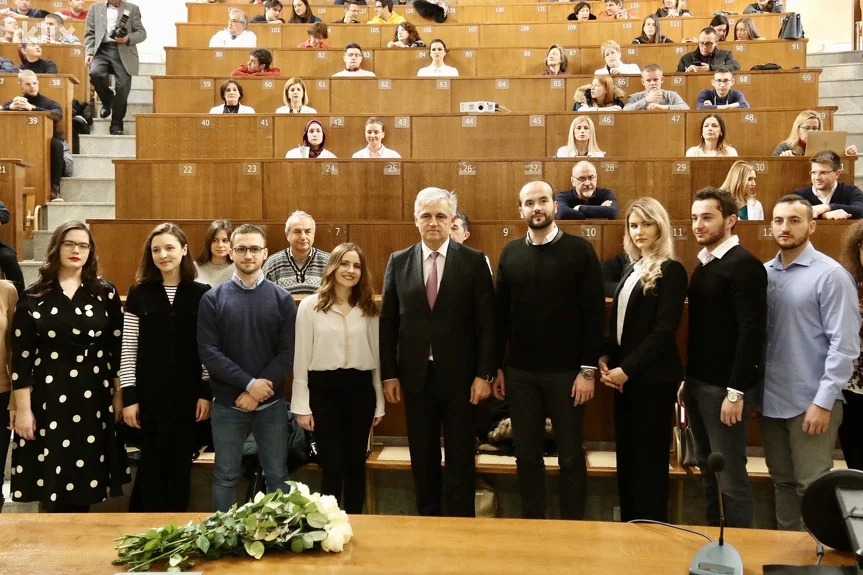 Proglašeni najbolji studenti Medicinskog fakulteta u Sarajevu: Ostajemo u našoj zemlji