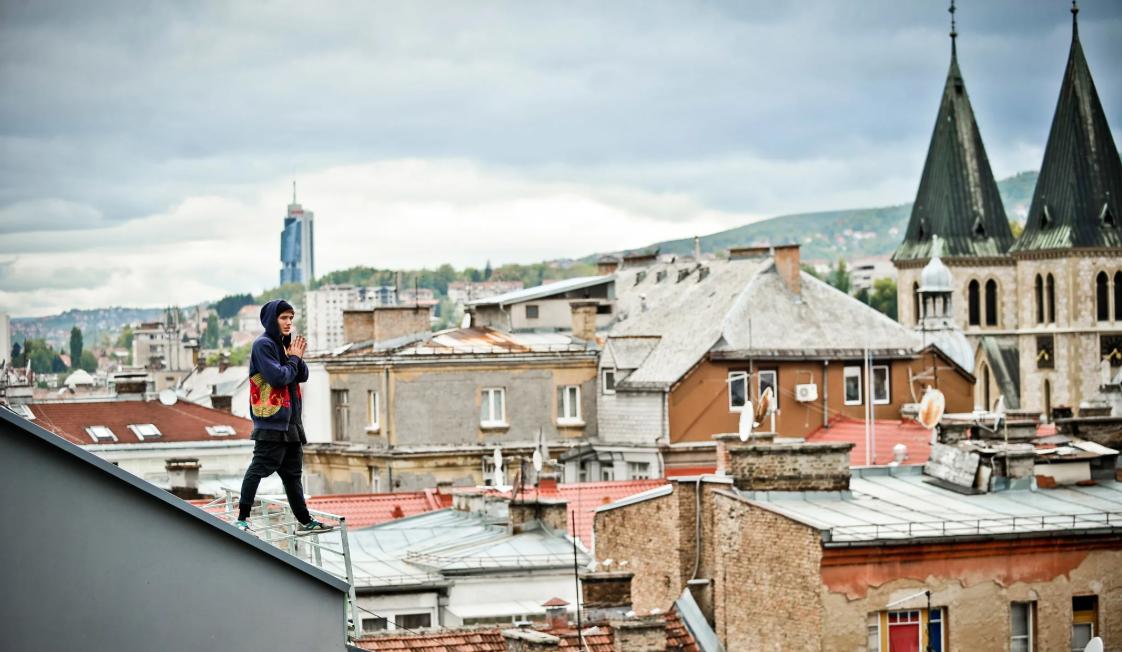 Avanture Jasona Paula – od minhenskog aerodroma do krovova Sarajeva