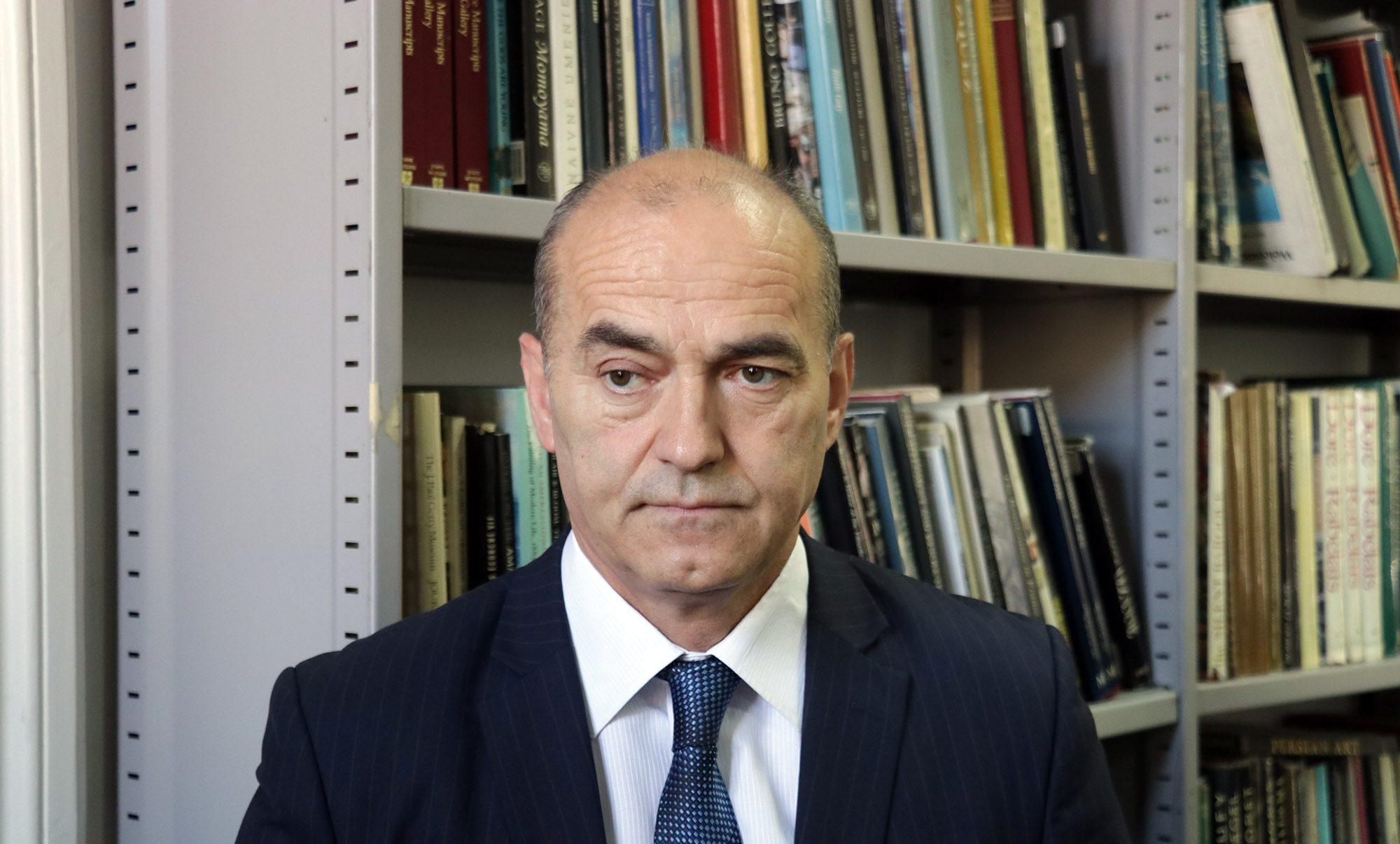 Poruka rektora prof. dr. Rifata Škrijelja uposlenicima Univerziteta u Sarajevu