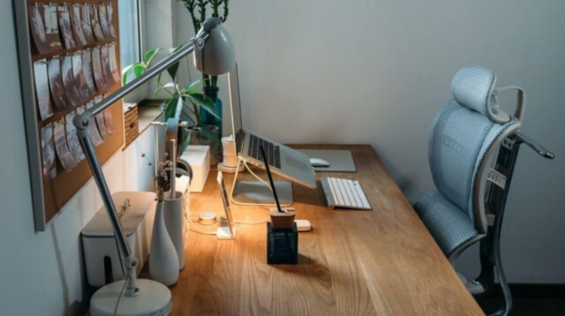 Ovako izgleda idealno mjesto za rad: Prilagodite svoj računar i smanjite bol u leđima