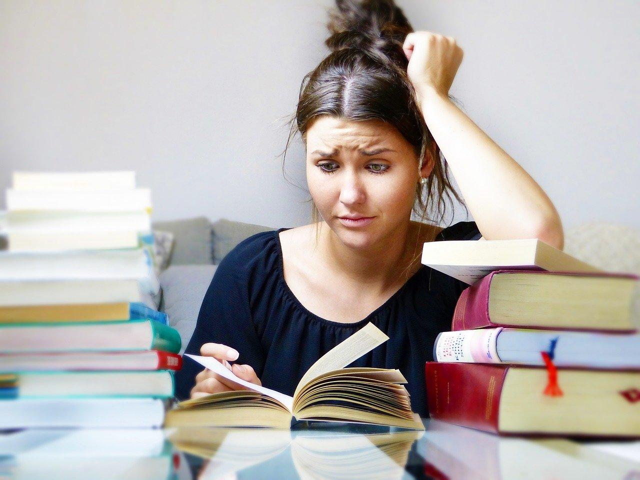 Previše eseja – premalo vremena: Pet kratkih savjeta koji mogu pomoći u pisanju seminarskih radova