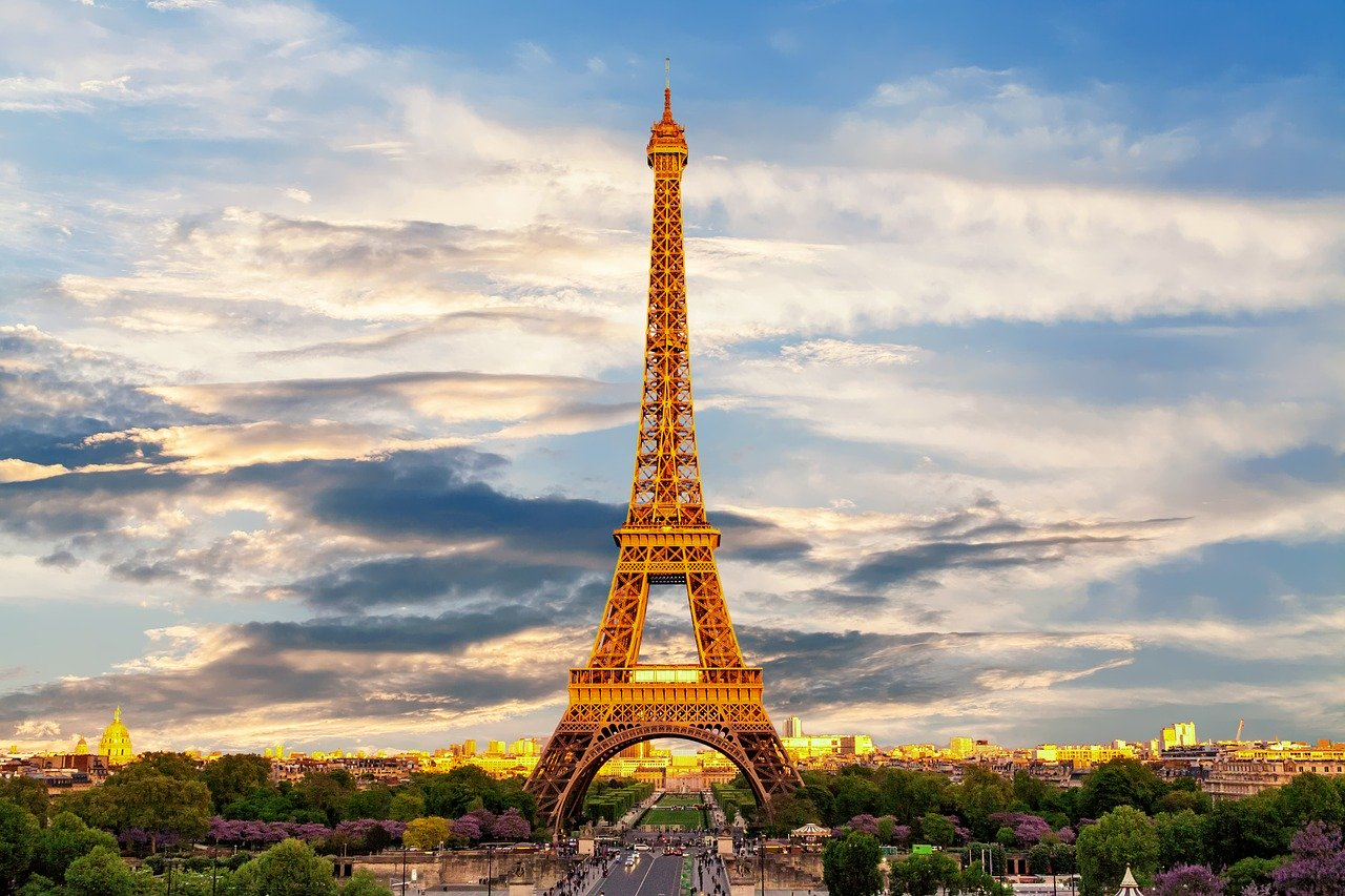 Provedi ljetni semestar u Parizu