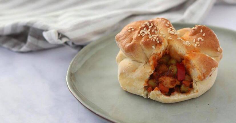 Studentski recepti: Punjeno pecivo sa piletinom i povrćem