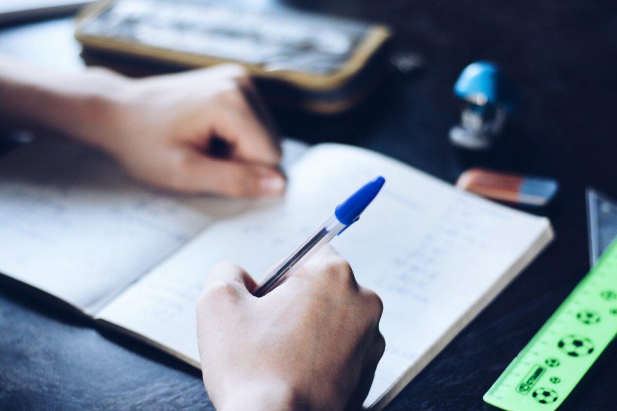 Peticija sarajevskih studenata: Traže prebacivanje studenata sa prosjekom većim od 8,0 na budžet