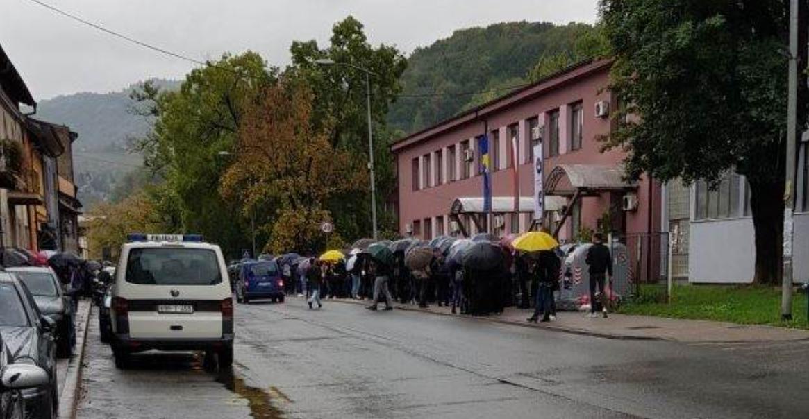 Održani studentski protesti u Zenici, zatražen bezuslovan prelazak na narednu godinu