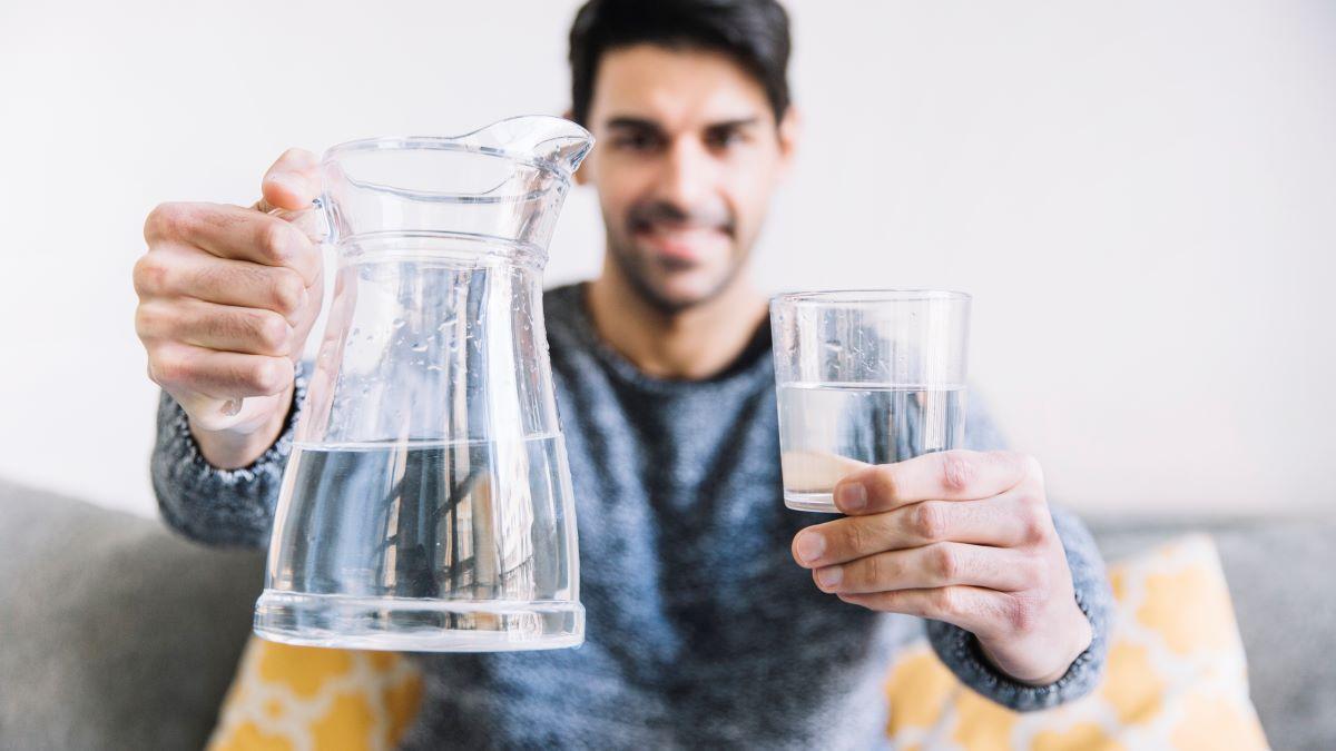 Ako ne pijemo vodu tijelo se bori s ovih pet stvari