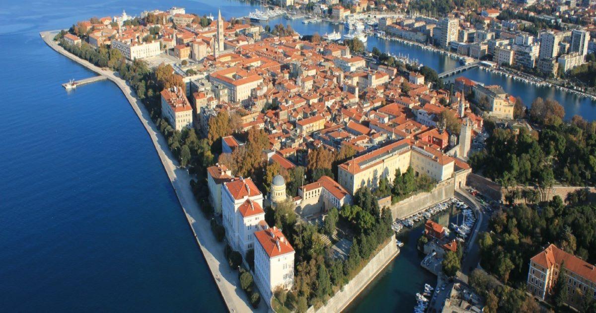 Provedi ljetni semestar na moru u Hrvatskoj