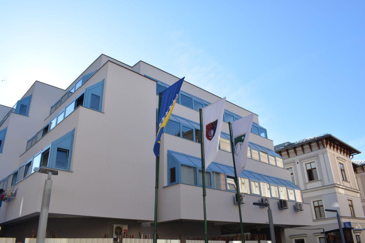 Općina Stari Grad stipendira nadarene učenike i studente u školskoj/akademskoj 2020/2021. godini