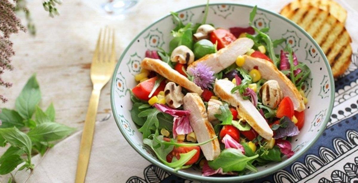 Studentski recepti: Za ručak napravite zdravu pileću salatu