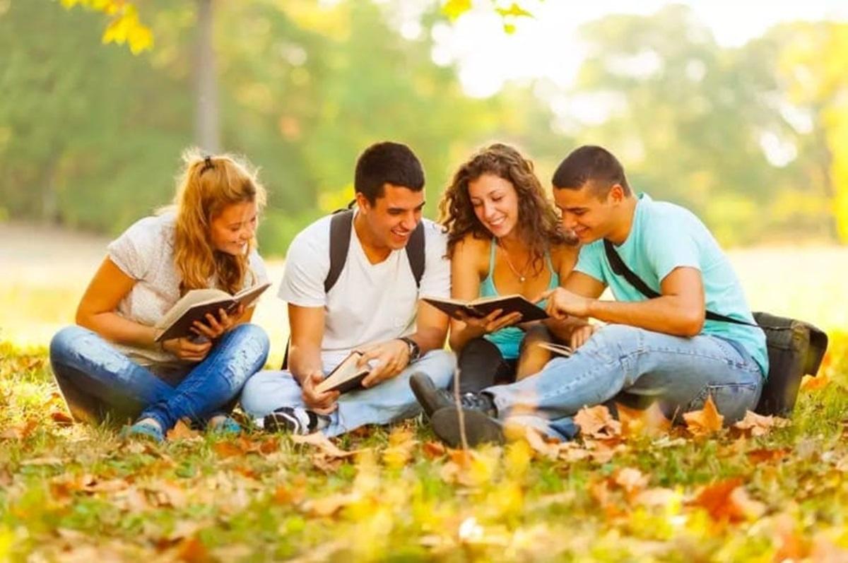 Inspiracija vs detonacija: Kako prijatelji utiču na tvoje studiranje?