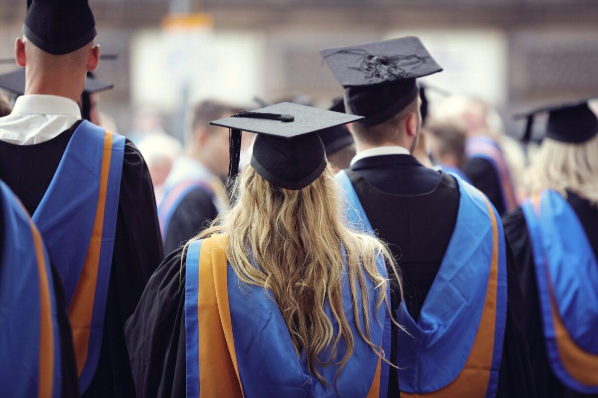 Fondacije FONSS stipendira redovne studente u 2020/2021. godini