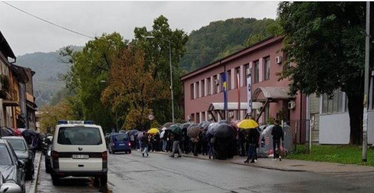 Studenti Univerziteta u Zenici ponovo izlaze na ulice, plaše se da će izgubiti status studenta