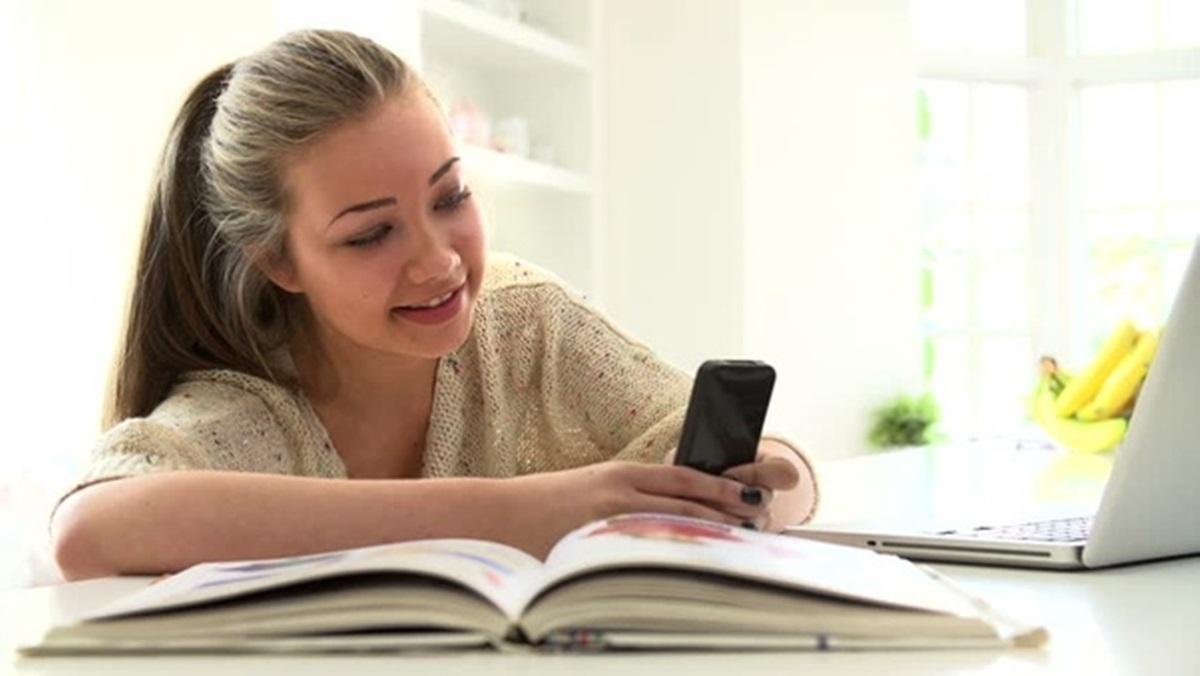 Društvene mreže: Ometači ili pomagači tokom studija?
