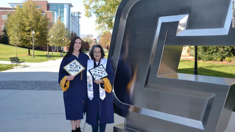 Baka iz SAD-a diplomirala 42 godine nakon što je upisala fakultet