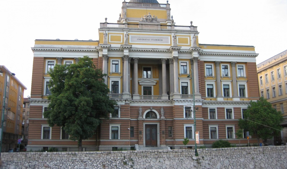 Univerzitet u Sarajevu promovisao 64 doktora nauke i umjetnosti