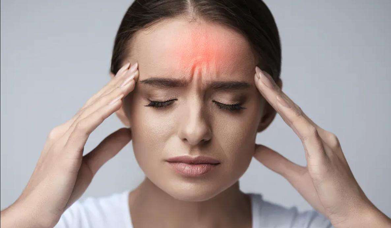 Zašto nas glava boli ujutru nakon buđenja: Ovo je pet mogućih razloga