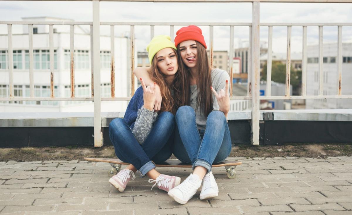 Mnoge djevojke tvrde da im je najbolja prijateljica važnija od dečka