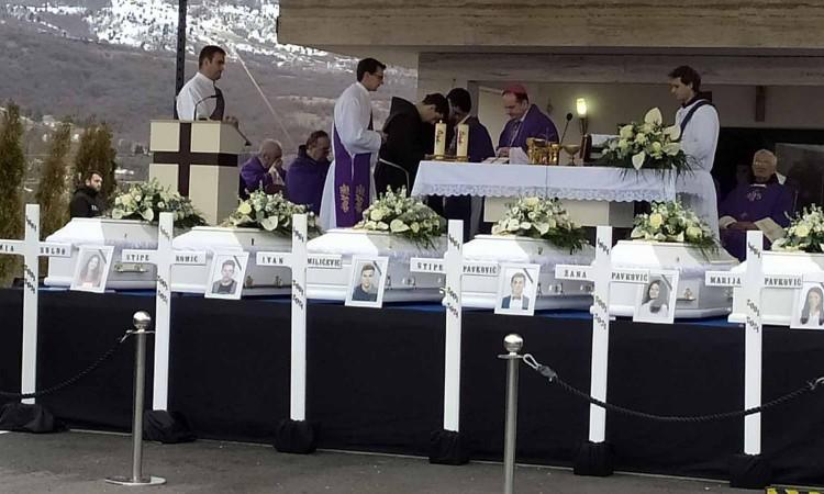 Na vječni počinak ispraćeni tragično preminuli tinejdžeri
