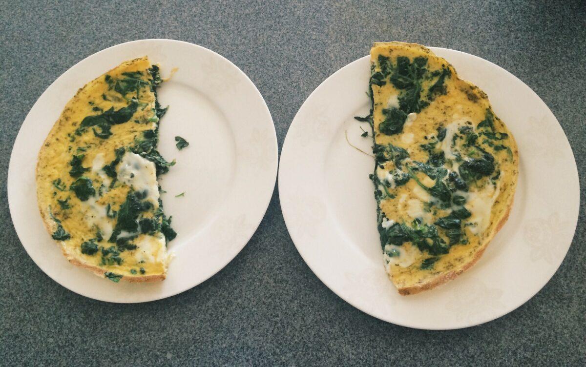 Studentski recepti: Omlet sa špinatom i parmezanom za mirisna jutra