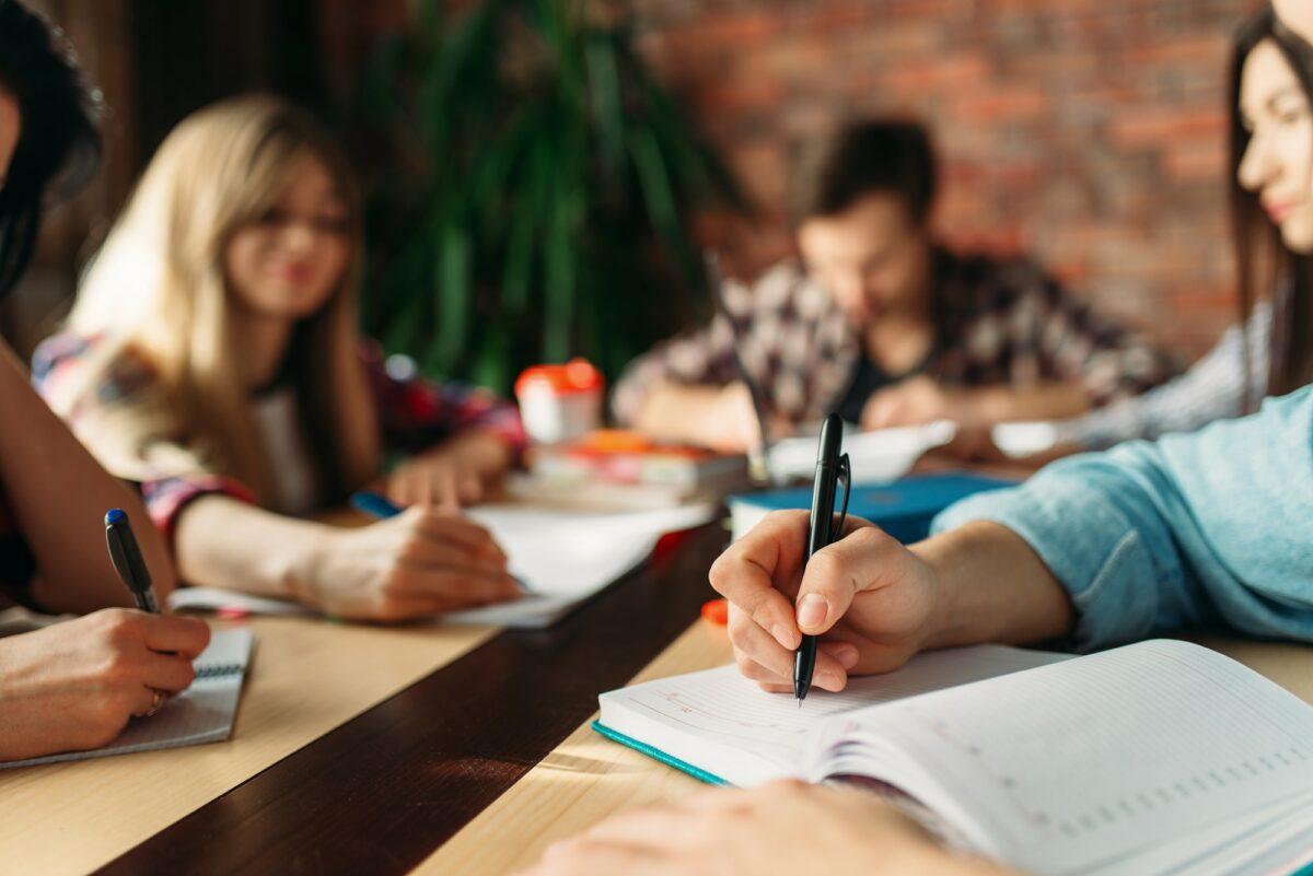 PRONI Centar za omladinski razvoj objavljuje poziv za 9 radionica