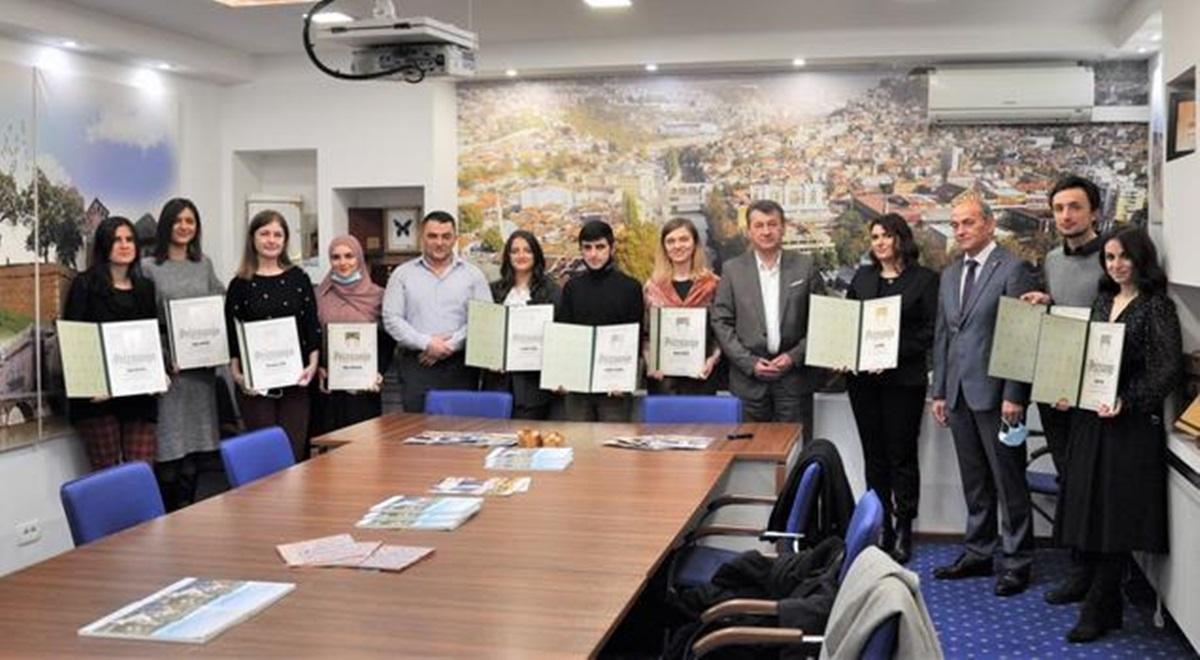 Načelnik Općine Stari Grad nagradio 'zlatne' i 'srebrene' studente UNSA iz Starog Grada