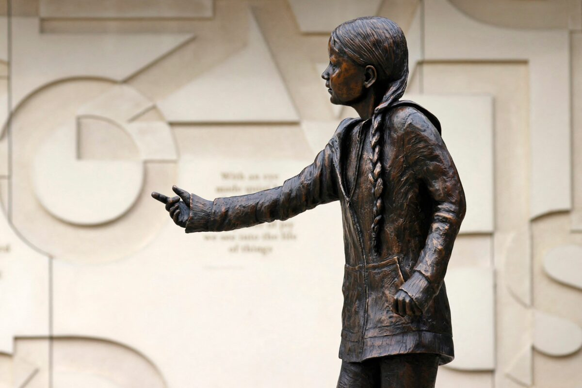 """Studenti nezadovoljni statuom Grete Thunberg: """"Bolje da ste nama dali tih 28 hiljada eura"""""""