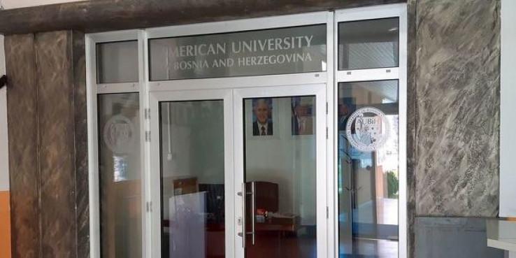 Kako su na Američkom univerzitetu u Tuzli reketirani studenti